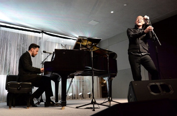 LOS ANGELES, CA - MARCH 21:  Chester Bennington (L) and Mike Shinoda of Linkin Park  perform during an Evening of Environmental Excellence presented by The UCLA Institute Of The Environment And Sustainability at Private Residence on March 21, 2014 in Los Angeles, California.  (Photo by Jason Merritt/Getty Images for UCLA)