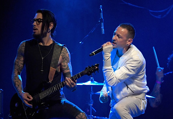 LOS ANGELES, CA - NOVEMBER 03:  Musicians Davew Navarro and  Chester Bennington perform with the Hellcat Saints at the 2016 Rhonda's Kiss Benifit honoring Johnny Depp at El Rey Theatre on November 3, 2016 in Los Angeles, California.  (Photo by Frazer Harrison/Getty Images)